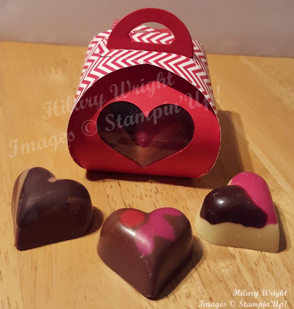 1502 Valentine Curvy 1